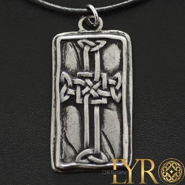 Bilde av Tavle med Utskjært Keltisk Kors - Tinnanheng